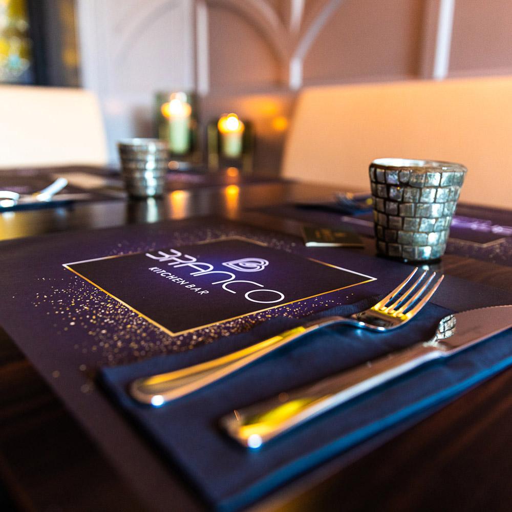 BRANCO – Am Tisch